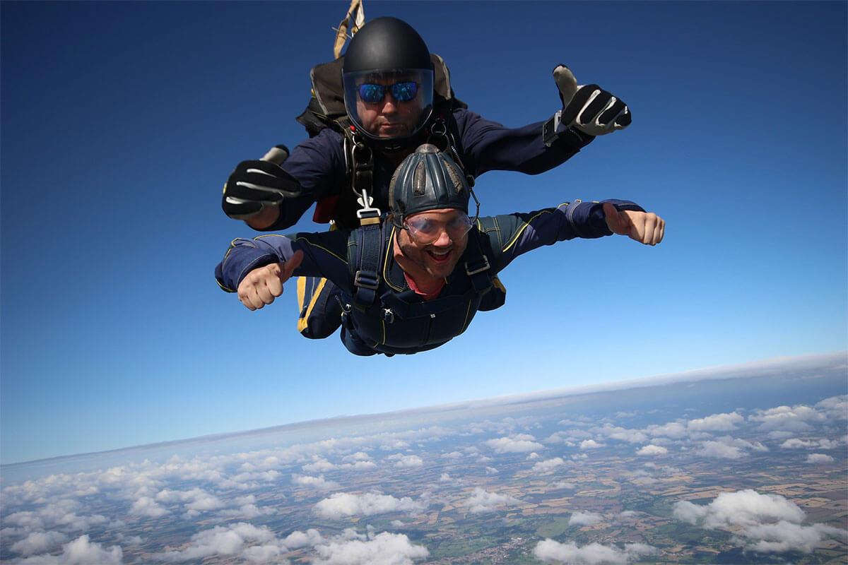tandem-jump-parachute-prague