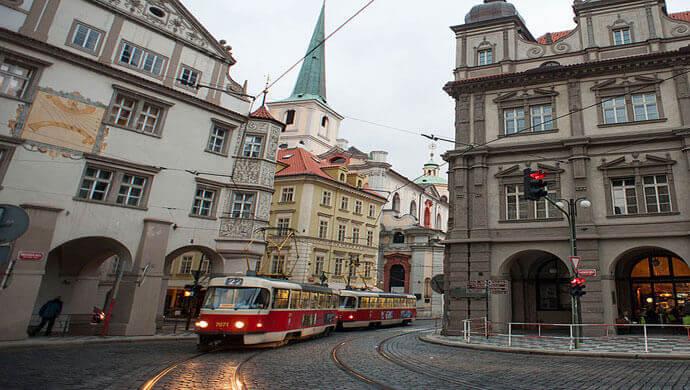 tram traffic in prague