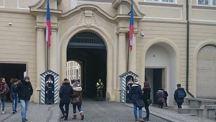 prague-castle-royal-guards